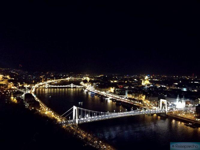 Budapest bei Nacht - der Blick von der Zitadelle Budapest