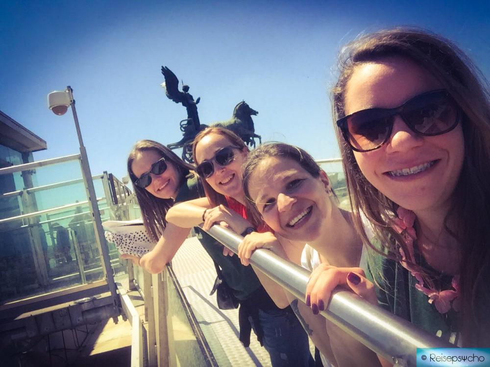 Junggesellinnenabschied Rom am Dach des Monumento