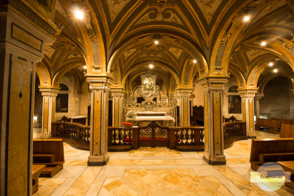 Die Krypta in der Kirche San Sabino in Bari