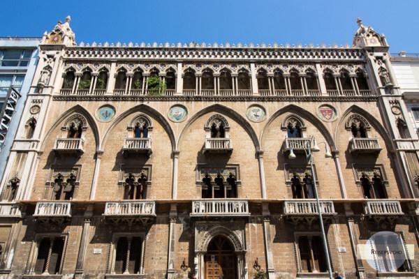Der Palazzo Fizzarotti am Corso Vittorio Emanuele in Bari