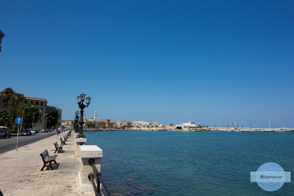 Apulien zwischen Bari und Monopoli   Strände und Sehenswürdigkeiten