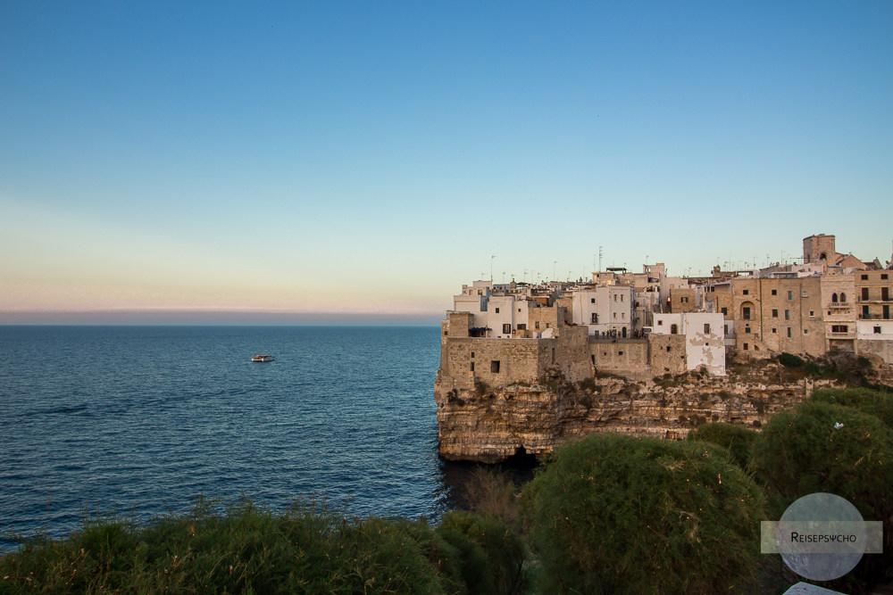 Polignano a Mare an der Costa di Bari