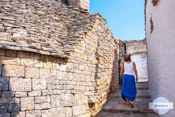 Das Leben in den Gassen Apuliens genießen