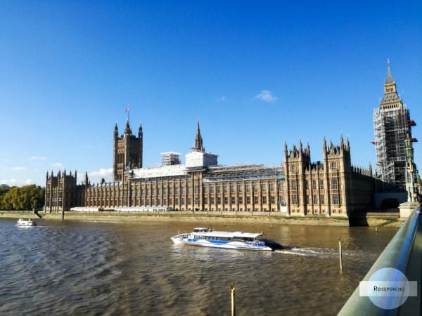 Das House of Parliament mit dem eingewickeltem Glockenturm
