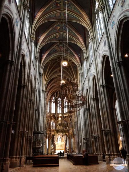 Votivkirche Hauptschiff - Wiener Sehenswürdigkeiten