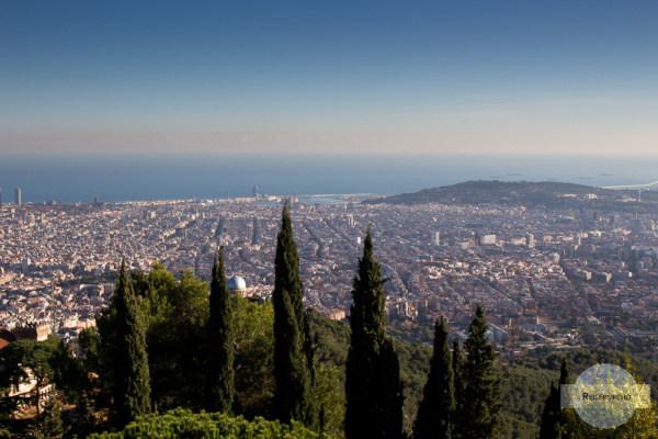 Blick vom Tibidabo auf Barcelona