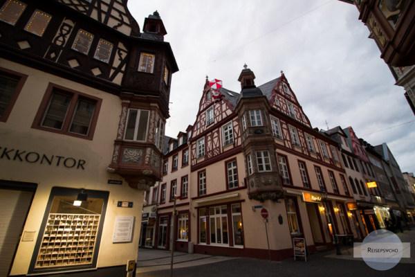 Verzierte Häuser mit Erker in Koblenz