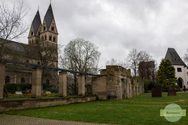 Kirche und Park in Koblenz