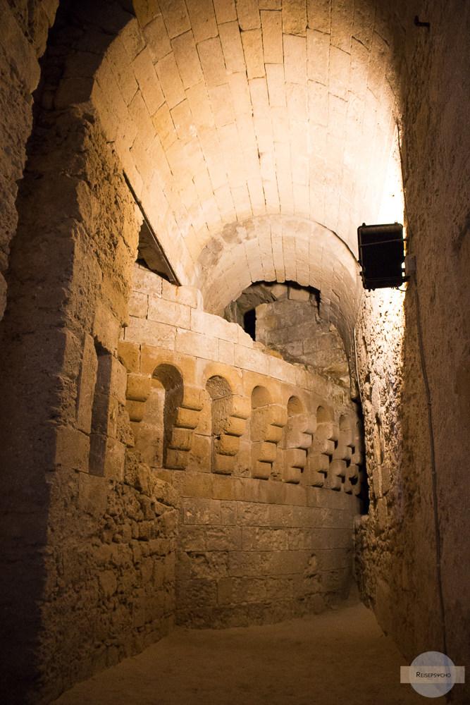 Ausgrabungen im Castello Aragonese