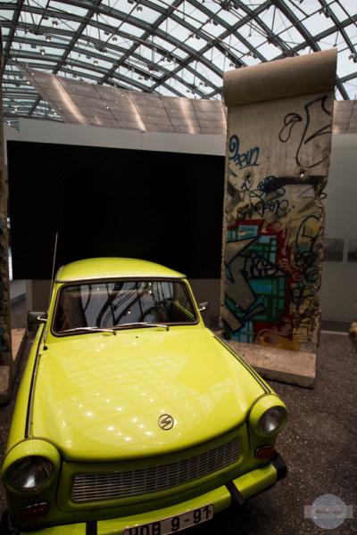 Trabi und Mauer im Haus der Geschichte in Bonn