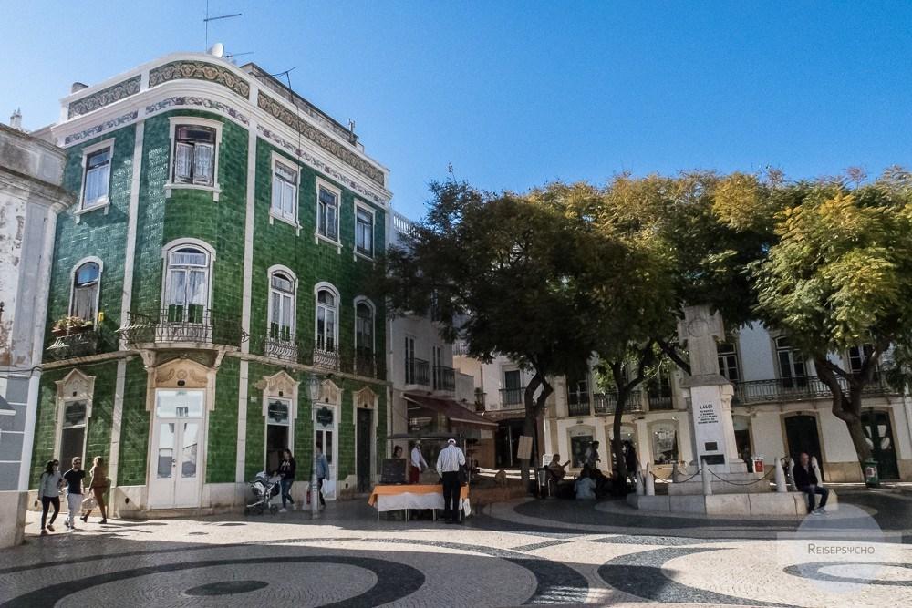 großer schöner Platz in Lagos / Algarve