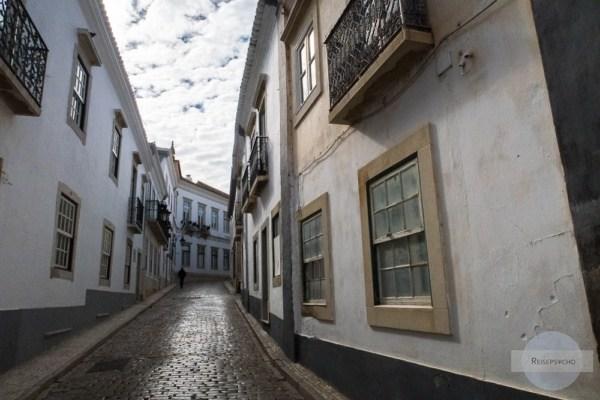 Einsame Gasse in Faro
