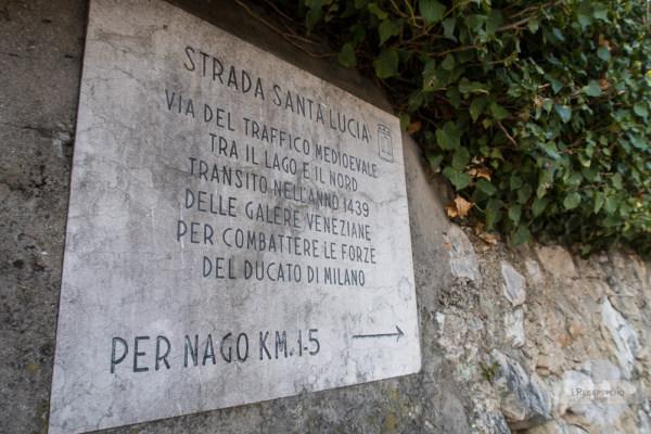 Schild zum Valle di Santa Lucia