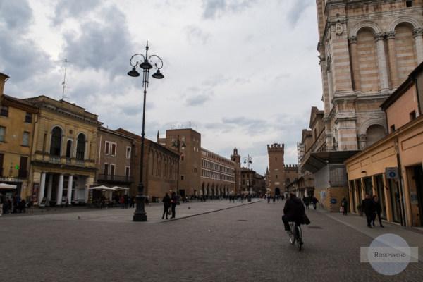 Piazza della Cattedrale in Ferrara