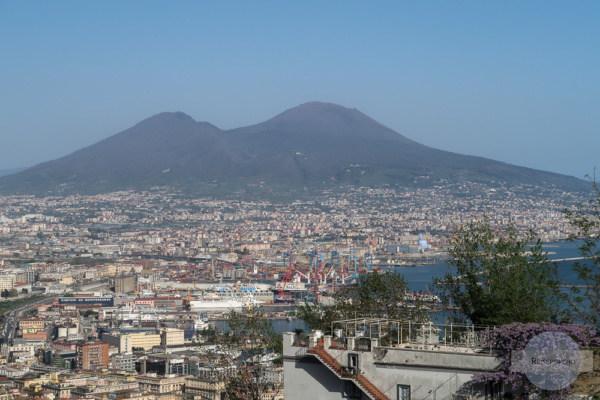 Vom Vomero auf hat man einen tollen Blick über die Stadt und auf den Vesuv