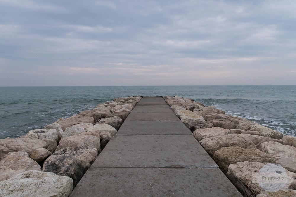 Der Lido in Venedig im März