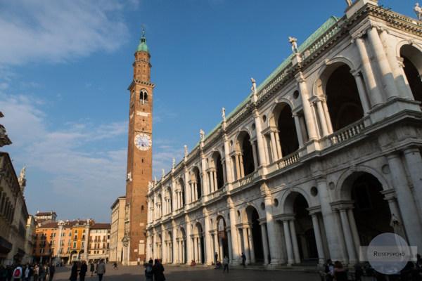 Die Piazza dei Signori mit der Basilica Palladiana in Vicenza