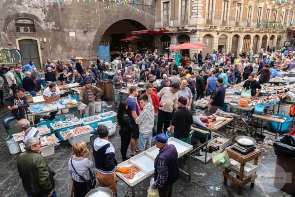 Der Fischmarkt in Catania ist ein Spektakel
