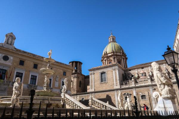 Fontana Pretoria in Palermo