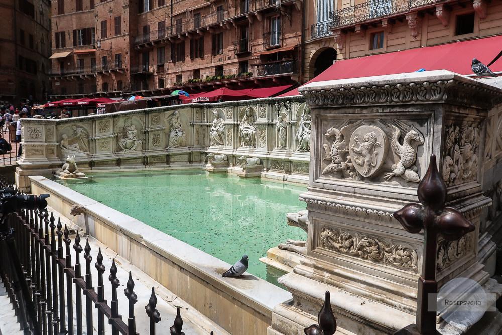 Brunnen auf der Piazza di Campo in Siena