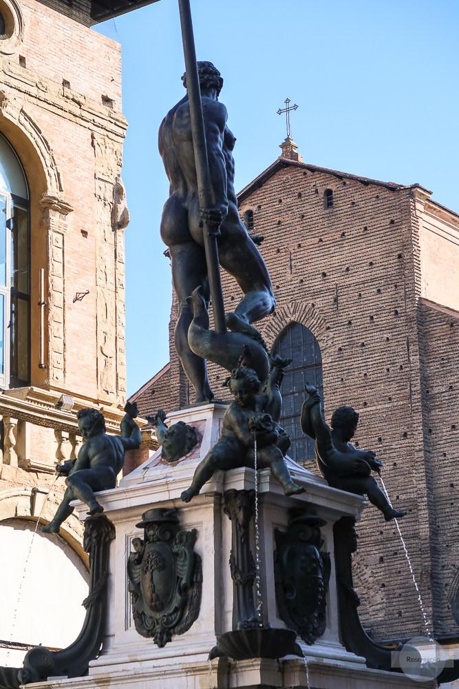 Neptun mit Erektion in Bologna