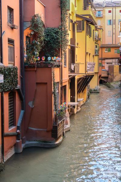 Blick auf Canal di Reno in Bologna