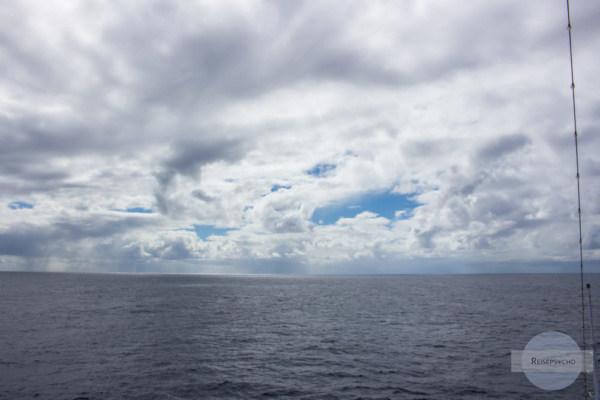 Atlantik und Wolken