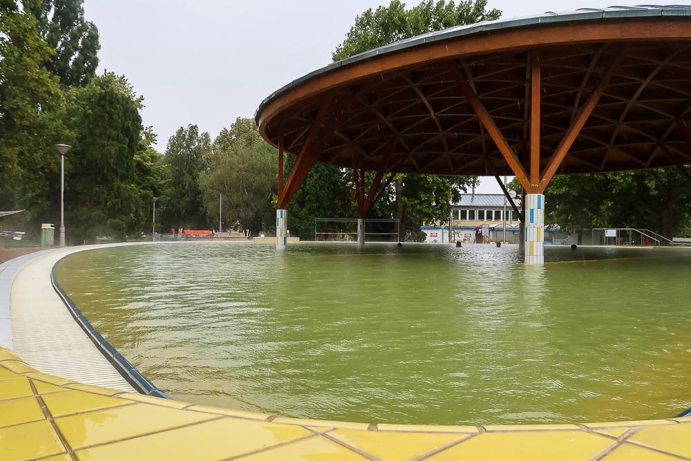 Heilwasserbecken in Bük