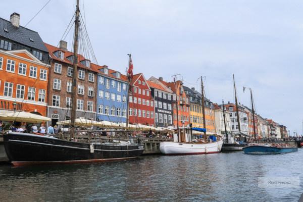 Nyhavn bei einer Hafenrundfahrt in Kopenhagen
