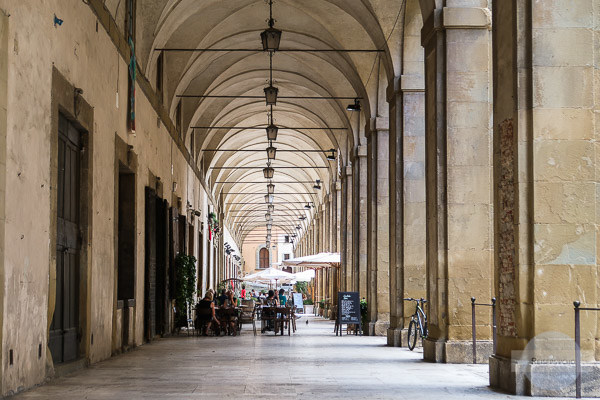 Arkaden in Arezzo, Italien