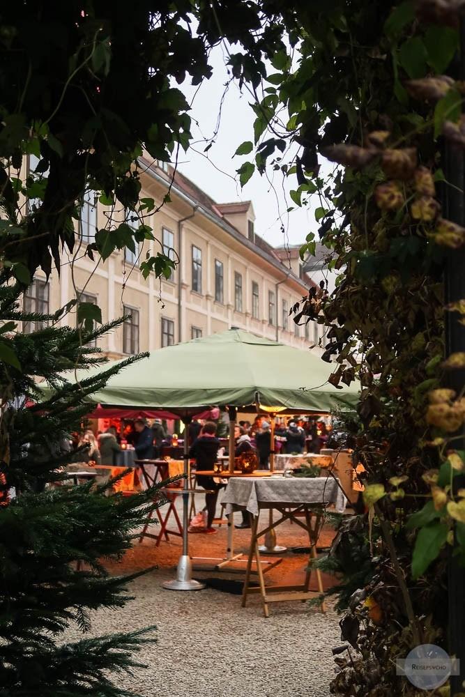 Adventmarkt Graz - Besuch im Joanneumsviertel