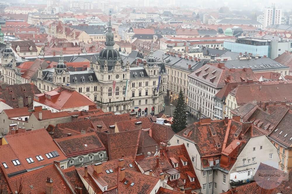 Graz Advent - Blick auf Rathaus und Christbaum