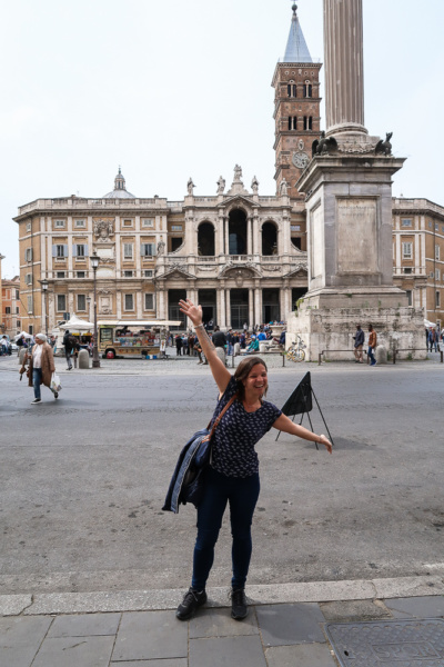 Vor der Basilika Santa Maria Maggiore in Monti in Rom
