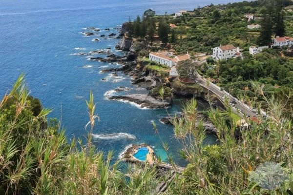 Bucht von Caloura auf den Azoren