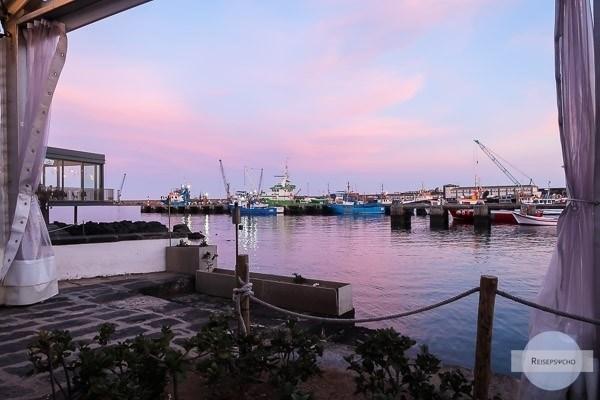 Hafen von Ponta Delgada am Abend