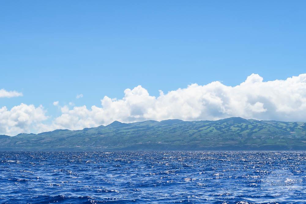 Sao Miguel Azoren vom Wasser aus beim Whale Watching