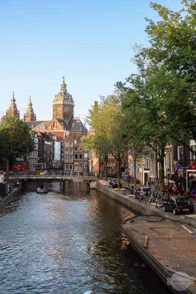 Old Kerk in De Wallen - die alte Kirche in Amsterdam