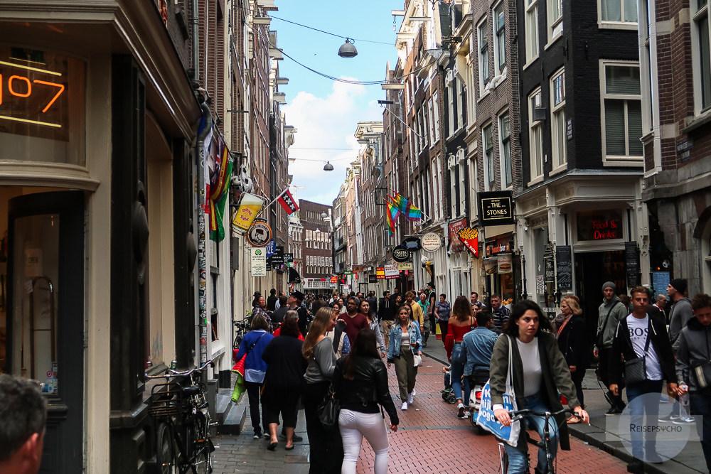 Durch die Straßen von Amsterdam spazieren
