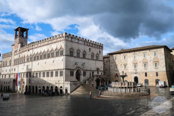 Dunkle Wolken über Perugia