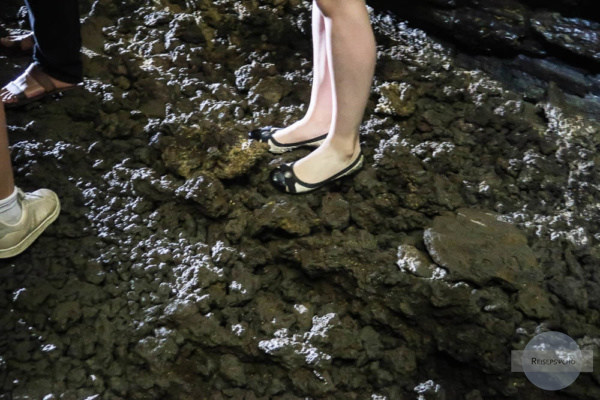 Falsche Schuhe in Vulkanhöhle
