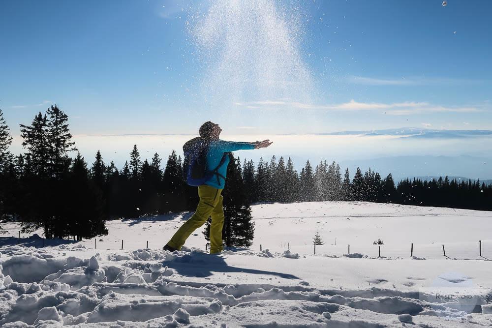 Sonne am Berg im Winter