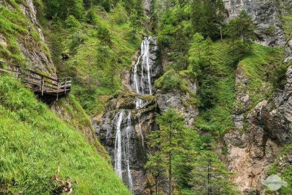 Beeindruckende Wasserfälle in der Wasserlochklamm