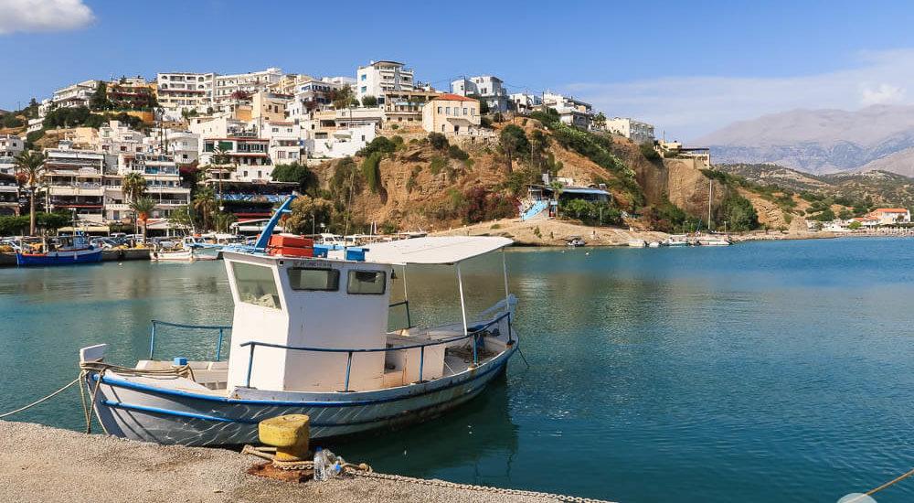 Kreta Agia Galini Boot im Hafen