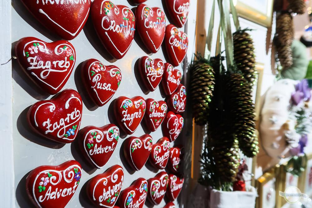 Liticari rote Herzen mit weißer Schrift: typisches Produkt aus Zagreb