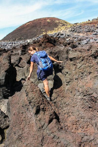 Küstenwandern in der alten Lava auf Sao Miguel