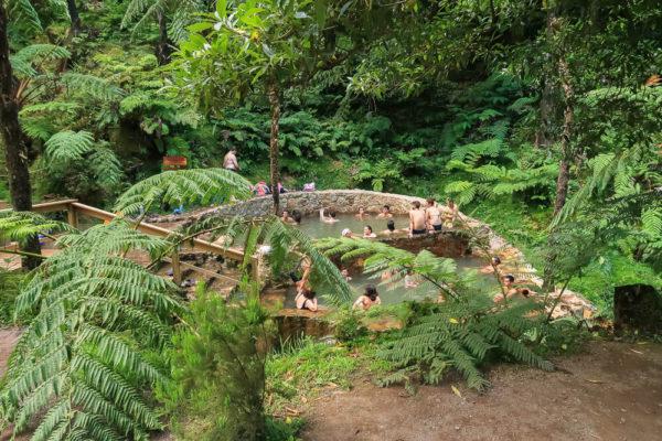 Baden in den heißen Quellen auf den Azoren