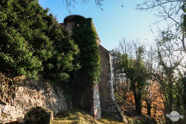 Gotische Mauer Schloßberg