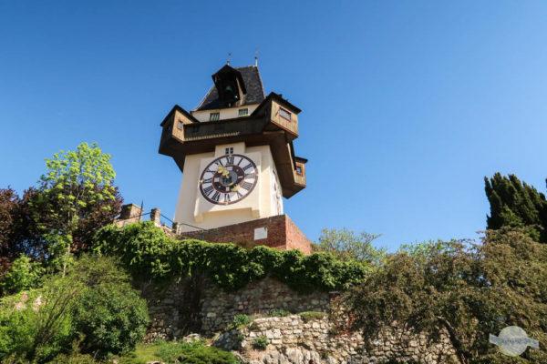 Uhrturm von unten