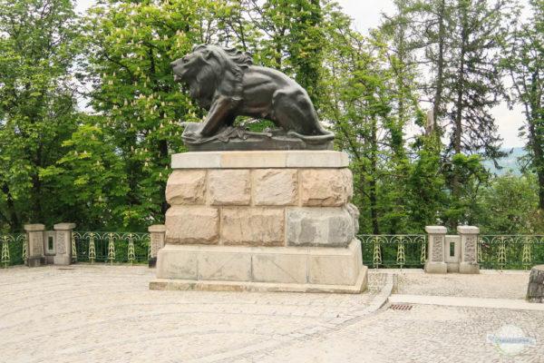 Die Statue Hackher Löwe am Schlossberg