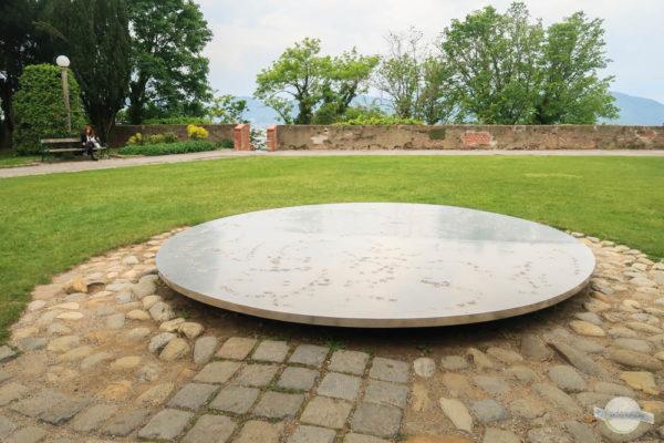 Kunstwerk Platte am Schlossberg